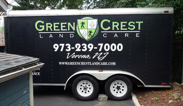 Trailer lettering for green crest