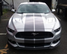 Ford Mustang racing stripes