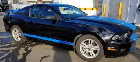 Ford Mustang Blue racing stripes side 2