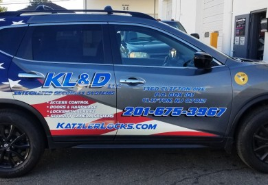 KL& D Nissan Rouge graphics
