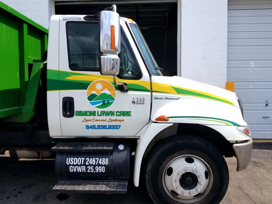 simoni landscaping truck lettering and graphics