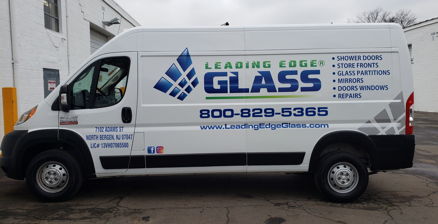 Leading glass van lettering