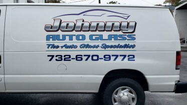 Johnny auto glass van lettering